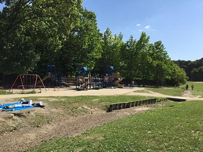 服部緑地公園内の様々な遊具